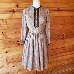 1950s Sue Brett Tan Multi-Color Paisley Dress